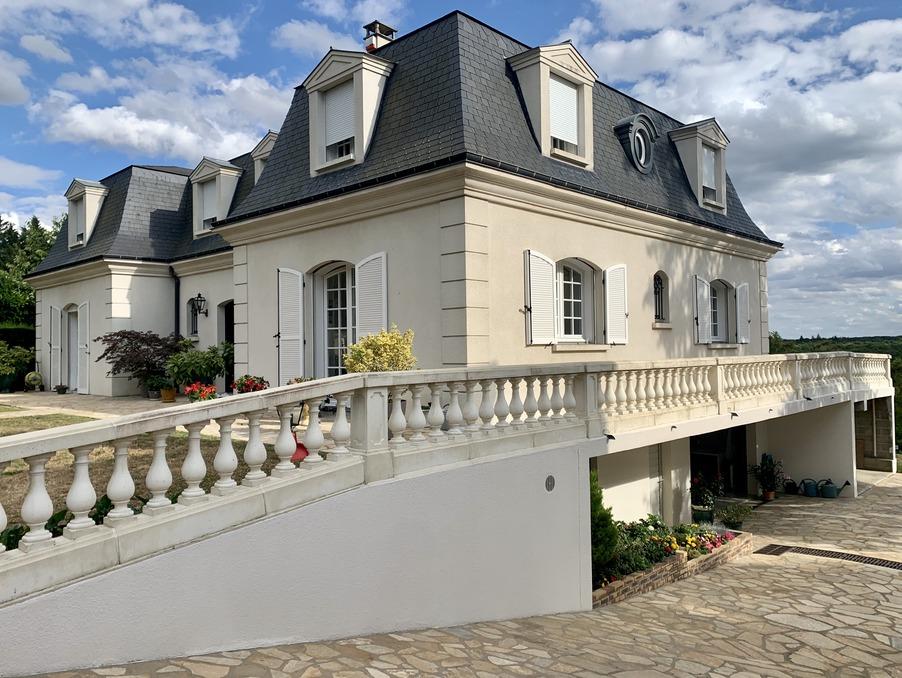 Maison Fontainebleau  950 000  �