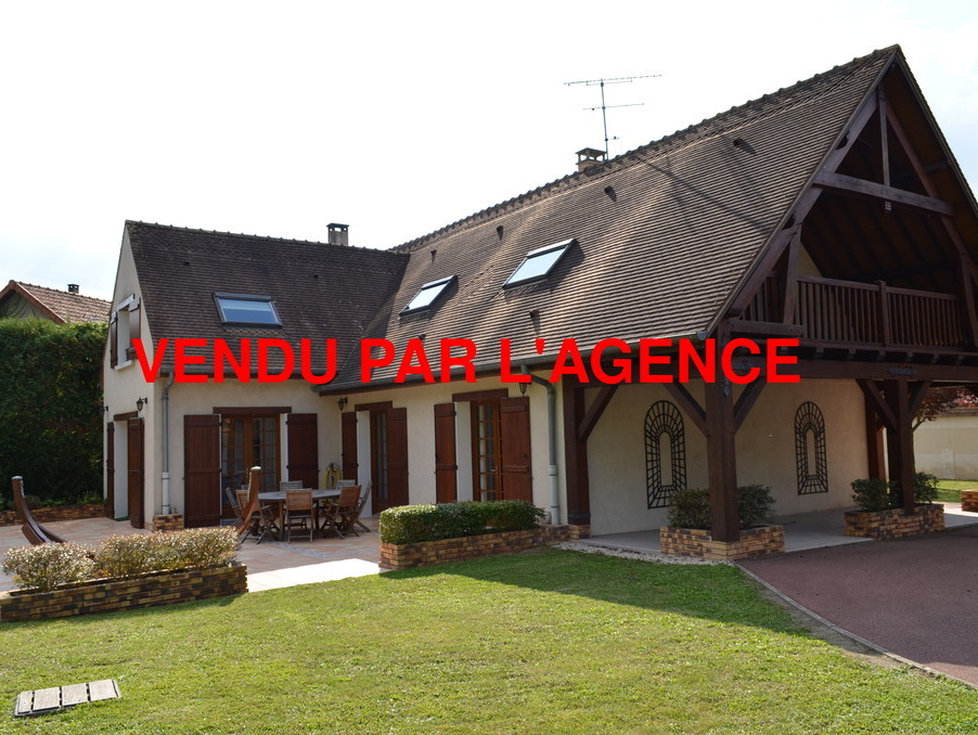 Maison Barbizon  696 800  �