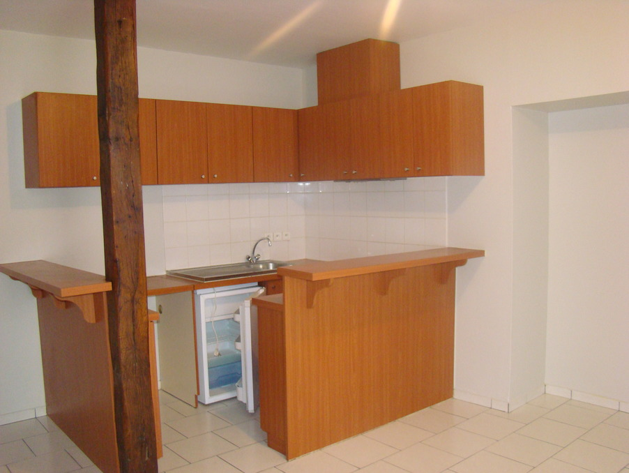 loue appartement perigueux 35 m t2 390. Black Bedroom Furniture Sets. Home Design Ideas