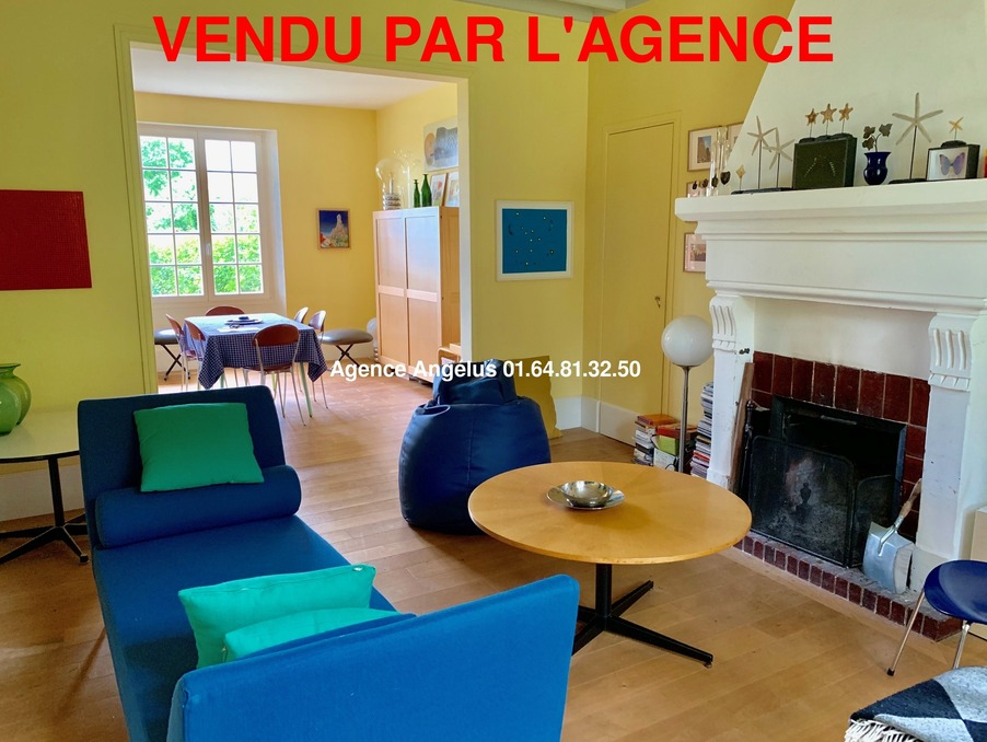 Maison BARBIZON  475 000  �